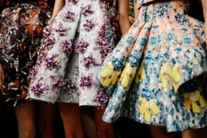 mary-katrantzou-rtw-ss2014-backstage-08_170850564490_carousel_parties