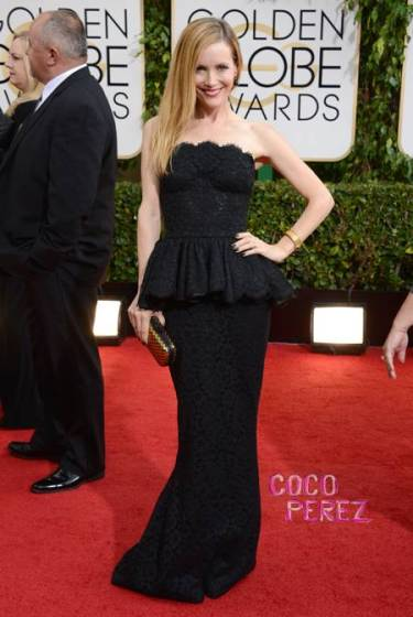 golden-globes-2014-leslie-mann-red-carpet__oPt