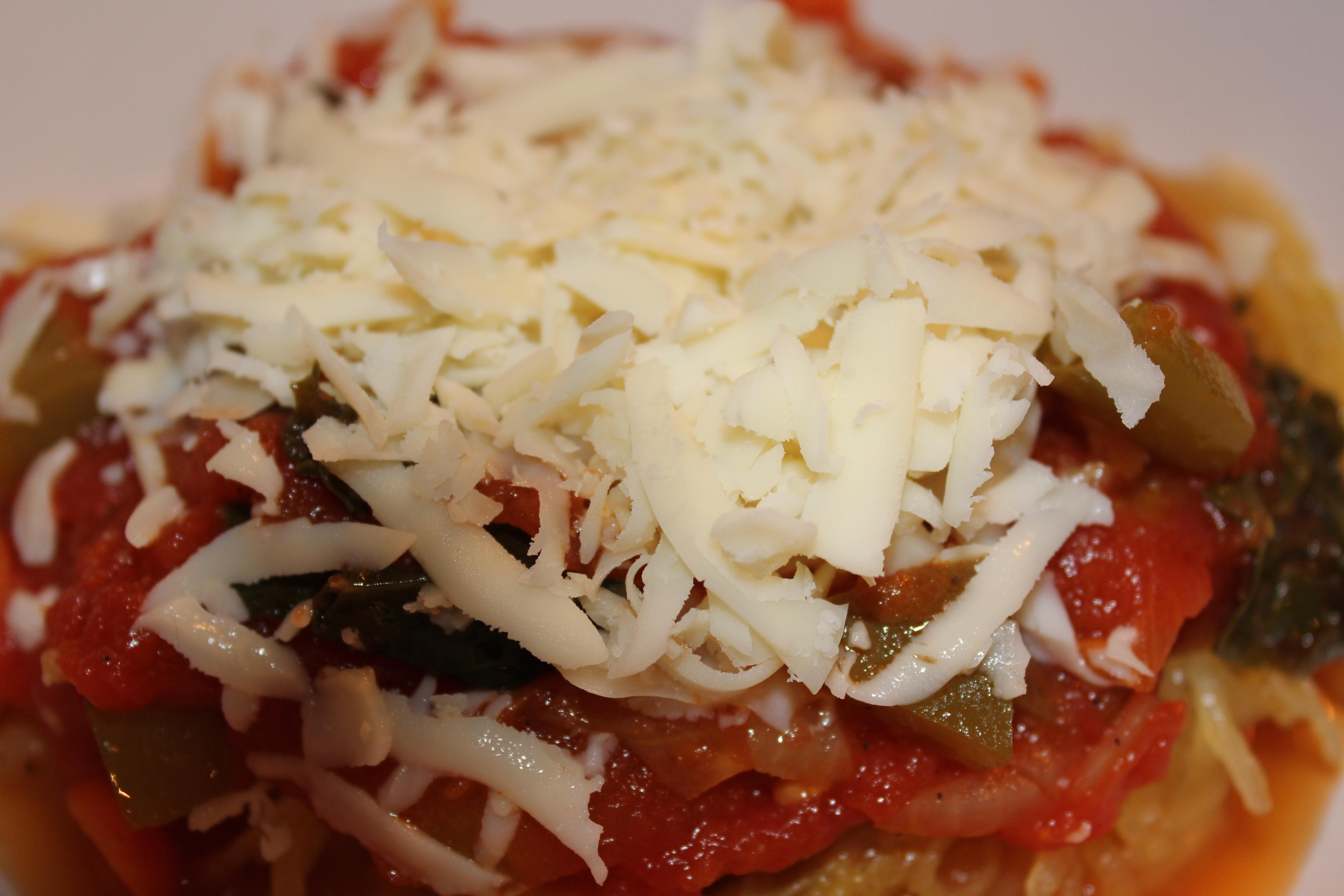 Garlic Spaghetti Squash with Kale & Veggie Tomato Sauce | t.listed