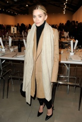 la-modella-mafia-Ashley-Olsen-camel-coat-4
