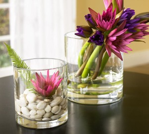 spring-home-decor-concept-flower-in-glass