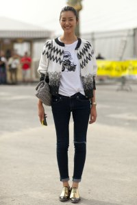 Liu-Wen-pays-homage-fashion-world-Karl-t-shirt
